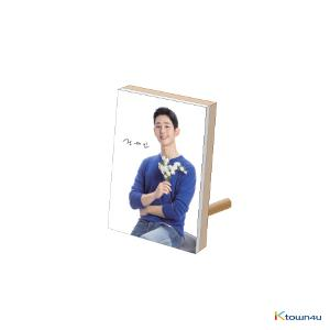 JUNG HAE IN - JHI ACRYLIC FRAME