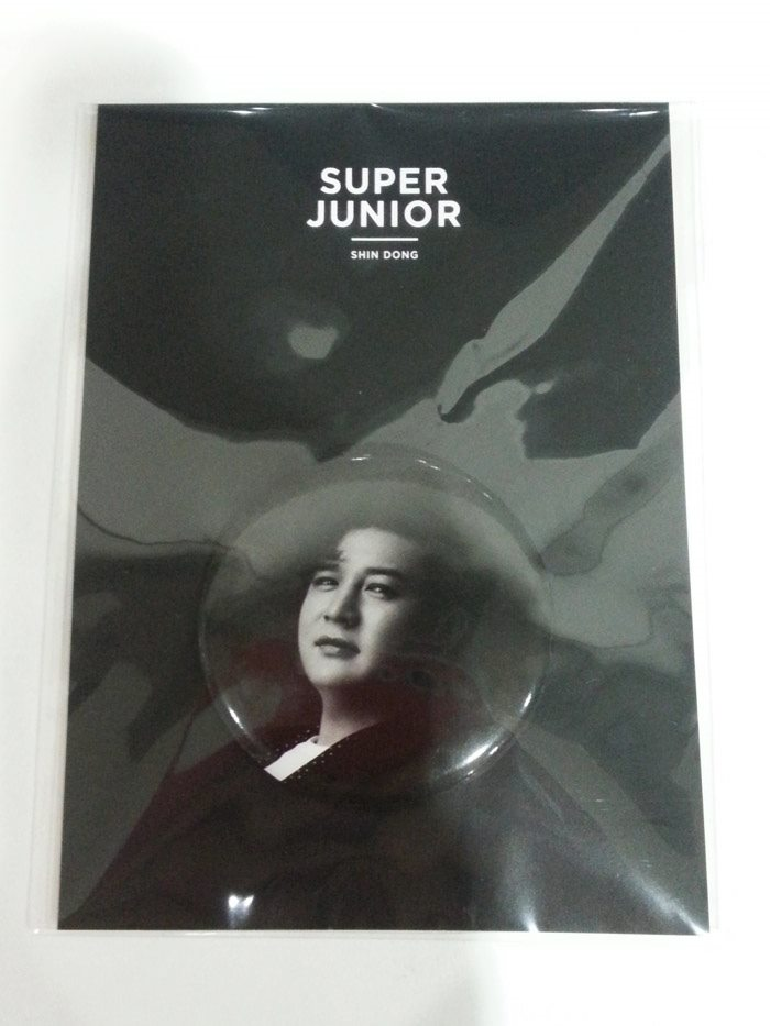 [ K-POP ] (SM Official Goods) Super Junior - Pin Button (Shin Dong)